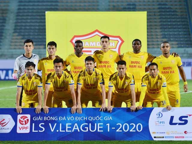 Đội bóng Dược Nam Hà Nam Định khoác trên mình màu cờ sắc áo