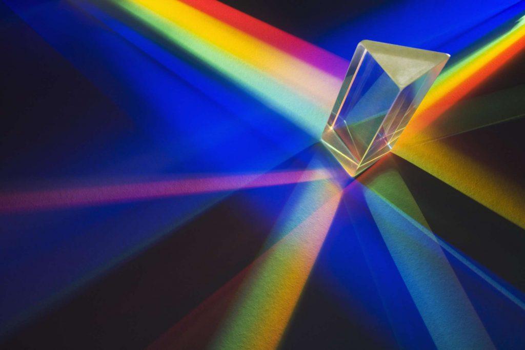 Ánh sáng đơn sắc là gì? Ứng dụng của ánh sáng đơn sắc trong đời sống