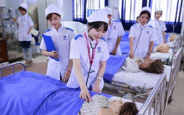 Một số trường cao đẳng y ngành Điều dưỡng uy tín